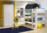 łóżko dwupiętrowe w pokoju dziecięcym